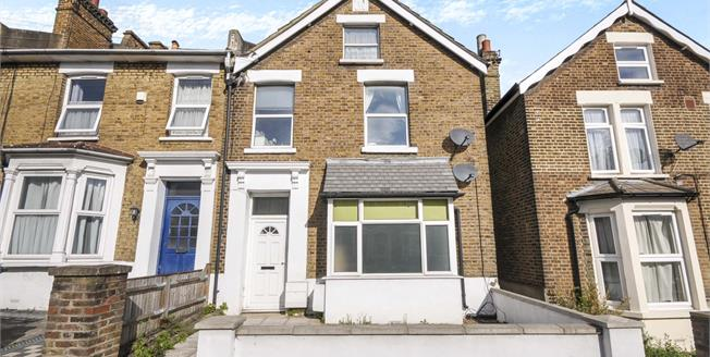 Asking Price £400,000, 2 Bedroom For Sale in London, SE13