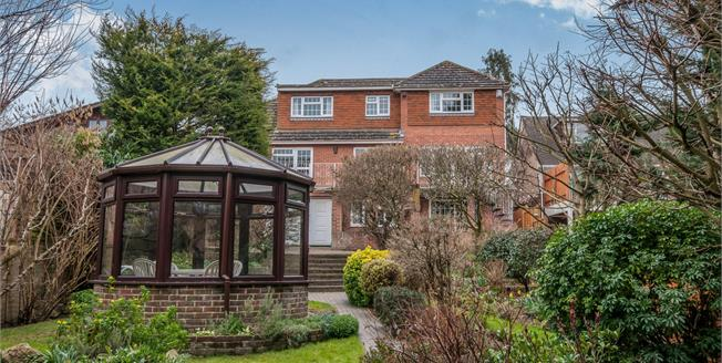 Guide Price £800,000, 5 Bedroom Detached House For Sale in Maidstone, ME15