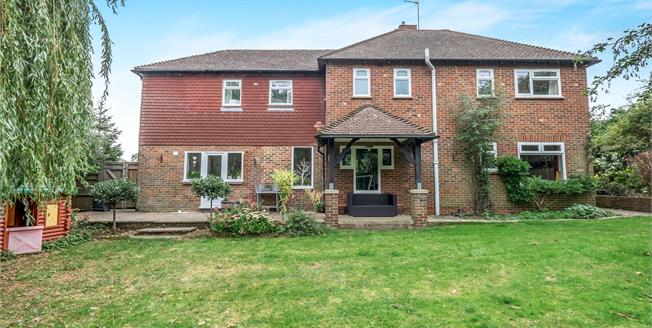 Guide Price £575,000, 4 Bedroom Detached House For Sale in Maidstone, ME15