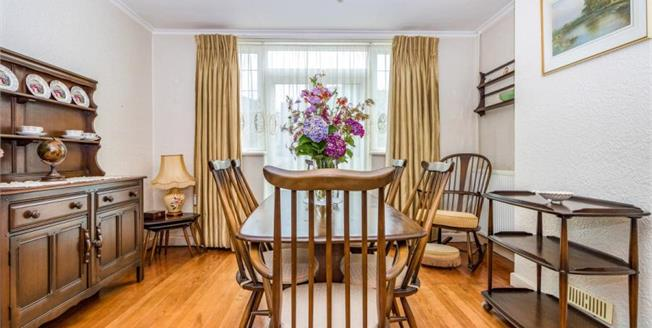 Guide Price £550,000, 4 Bedroom Semi Detached House For Sale in Bearsted, ME14