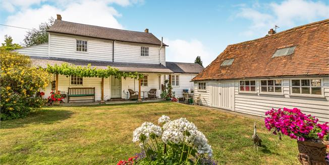 Asking Price £500,000, 4 Bedroom Detached House For Sale in Coxheath, ME17