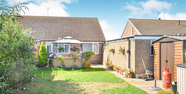 Guide Price £240,000, 2 Bedroom Semi Detached Bungalow For Sale in Greatstone, TN28