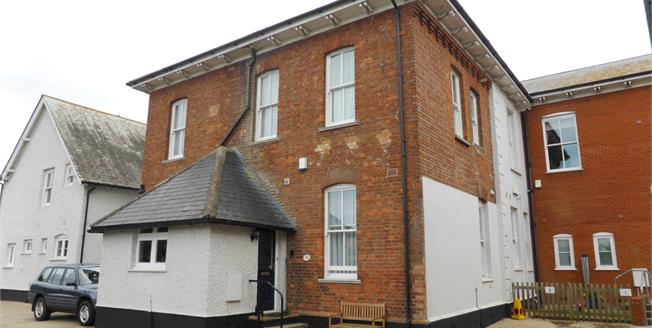 Guide Price £150,000, 2 Bedroom Flat For Sale in New Romney, TN28