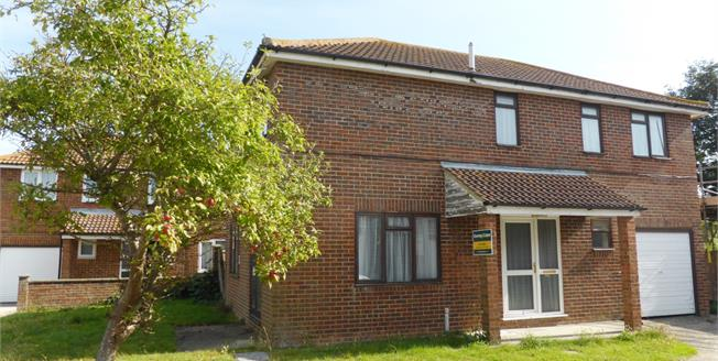 Guide Price £240,000, 4 Bedroom Detached House For Sale in St. Marys Bay, TN29