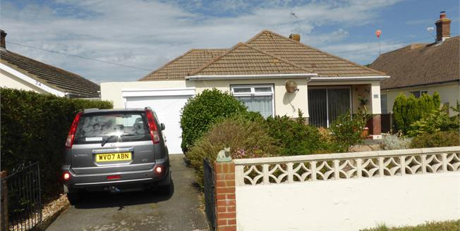 Guide Price £260,000, 3 Bedroom Detached Bungalow For Sale in Greatstone, TN28