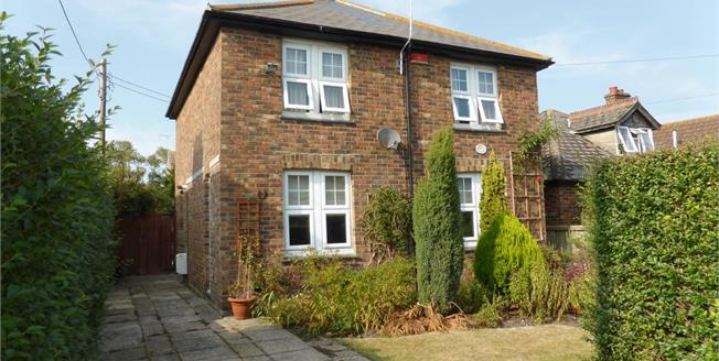Asking Price £295,000, 3 Bedroom Detached House For Sale in New Romney, TN28
