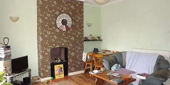 Asking Price £95,000, 1 Bedroom Flat For Sale in Sittingbourne, ME10