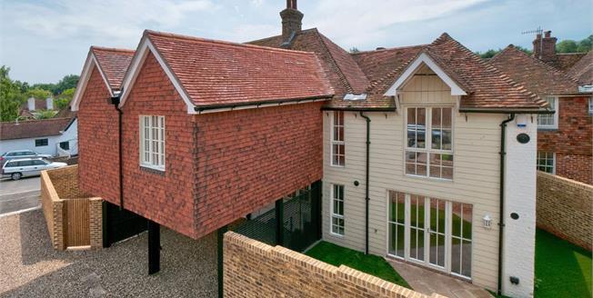 Guide Price £400,000, 4 Bedroom Semi Detached House For Sale in Doddington, ME9