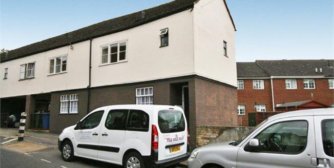 Offers in excess of £150,000, 2 Bedroom Maisonette For Sale in Sittingbourne, ME10