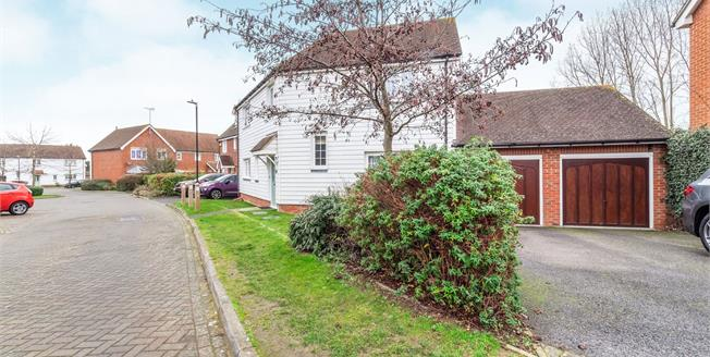 Offers Over £375,000, 4 Bedroom Detached House For Sale in Sittingbourne, ME10