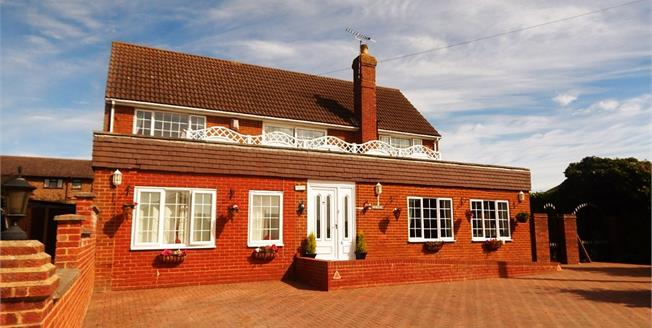 Fixed Price £435,000, 4 Bedroom Detached House For Sale in Warden, ME12
