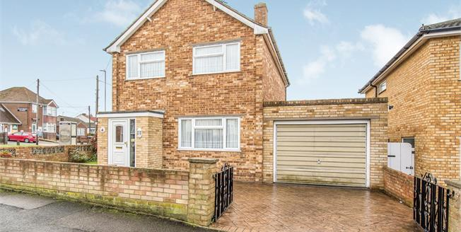 Offers in excess of £300,000, 3 Bedroom Detached House For Sale in Minster on Sea, ME12