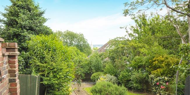 Guide Price £650,000, 3 Bedroom Semi Detached House For Sale in London, SE23