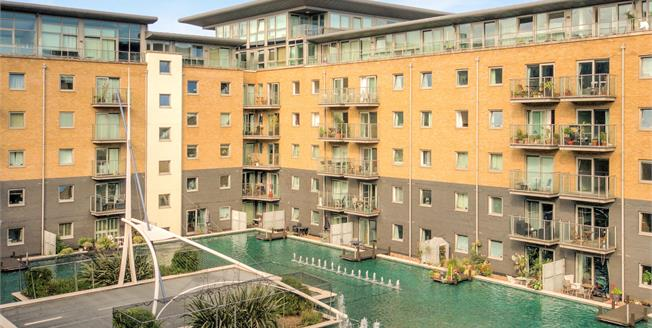 Fixed Price £412,950, 2 Bedroom Flat For Sale in London, SE18