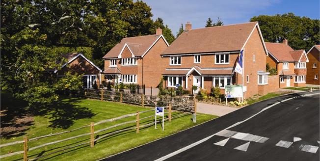 £712,950, 5 Bedroom Detached House For Sale in Bursledon, SO31