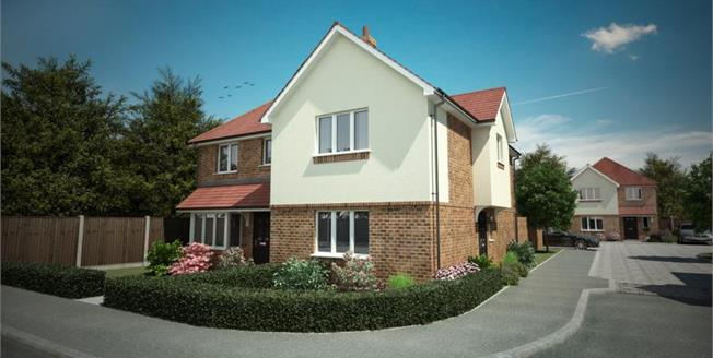 £335,000, 3 Bedroom Semi Detached House For Sale in Locks Heath, SO31