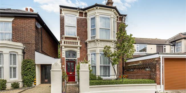 Offers in excess of £625,000, 5 Bedroom Link Detached House For Sale in Southsea, PO5