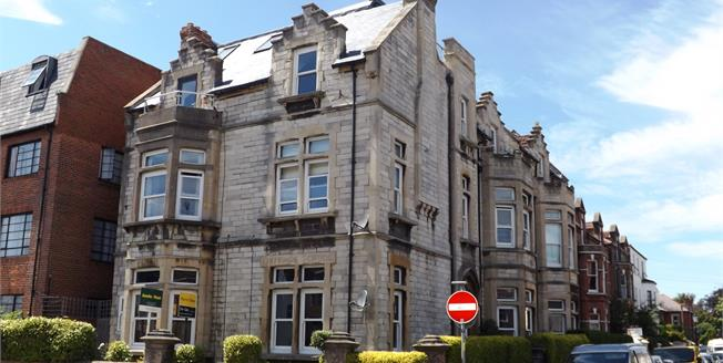 Asking Price £300,000, 3 Bedroom Flat For Sale in Southsea, PO5