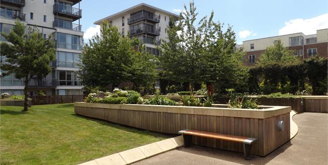 Asking Price £170,000, 1 Bedroom Flat For Sale in Portsmouth, PO1