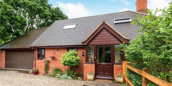 Guide Price £550,000, 3 Bedroom Detached House For Sale in Sherfield-on-Loddon, RG27