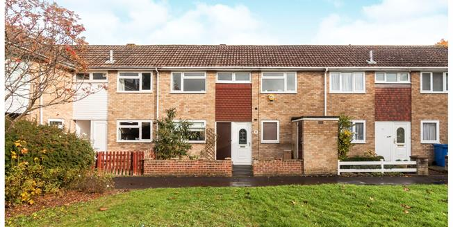 Guide Price £325,000, 4 Bedroom Terraced House For Sale in Bracknell, RG12