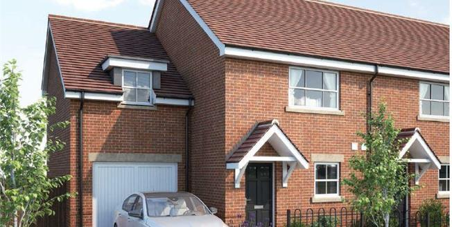 £449,995, 3 Bedroom Semi Detached House For Sale in London Road, RG42