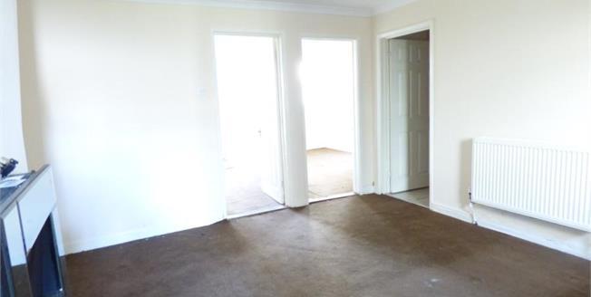 Asking Price £90,000, 2 Bedroom Ground Floor Flat For Sale in Gosport, PO12