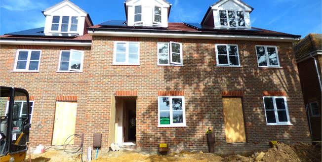 Asking Price £299,995, 4 Bedroom Terraced House For Sale in Portsmouth, PO6