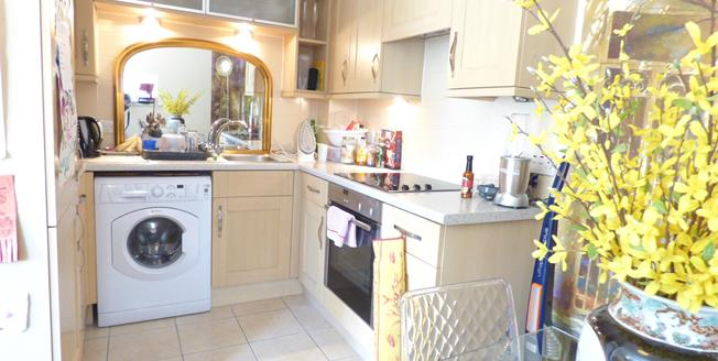 Offers in excess of £115,000, 1 Bedroom Flat For Sale in Gosport, PO12