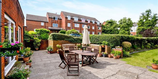 Asking Price £89,995, 1 Bedroom For Sale in Waterlooville, PO7