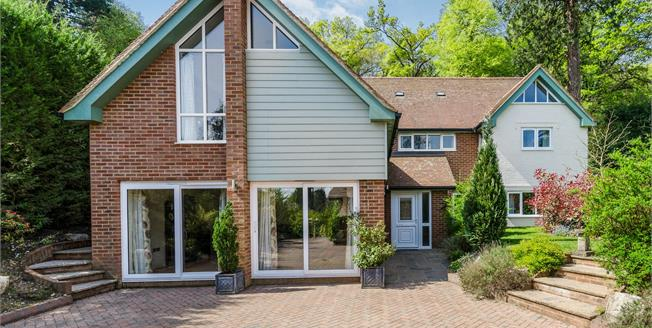 Guide Price £1,100,000, 5 Bedroom Detached House For Sale in Lyndhurst, SO43