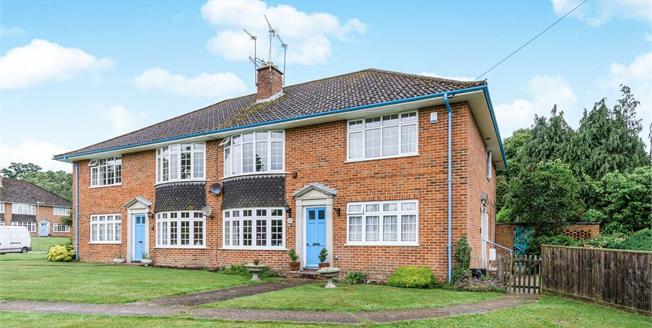 Guide Price £285,000, 3 Bedroom Maisonette For Sale in Lyndhurst, SO43
