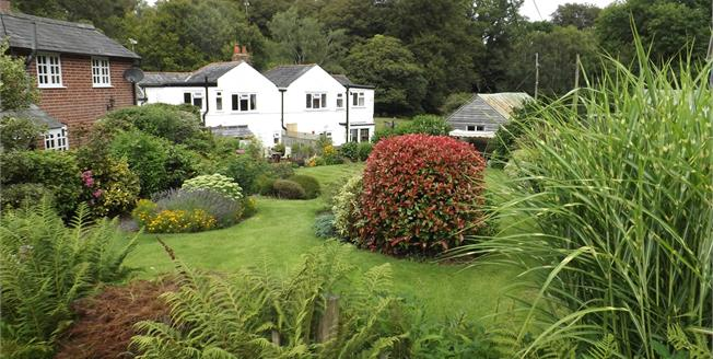 Guide Price £550,000, 3 Bedroom Semi Detached Cottage For Sale in Bank, SO43