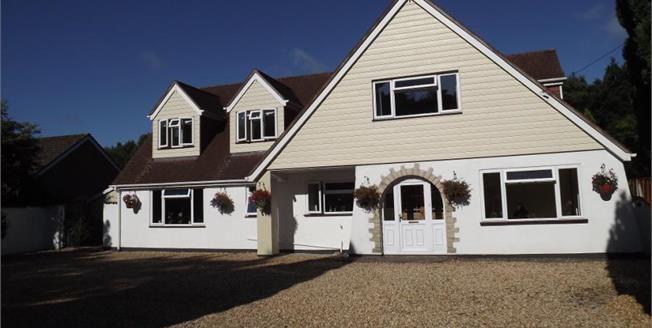 Guide Price £750,000, 5 Bedroom Detached House For Sale in Hurn, BH23