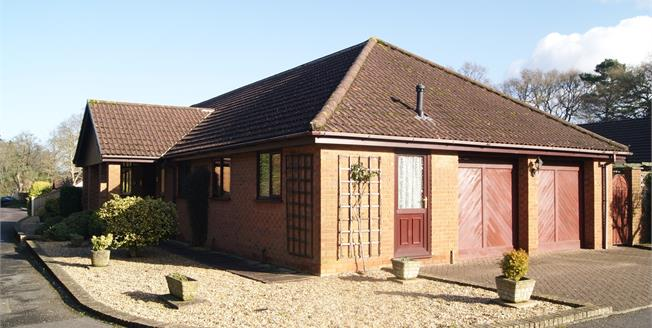 £435,000, 4 Bedroom Detached Bungalow For Sale in Ringwood, BH24