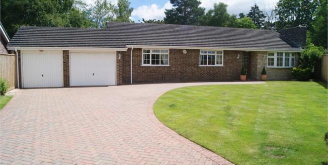 Guide Price £500,000, 3 Bedroom Bungalow For Sale in Ashley Heath, BH24