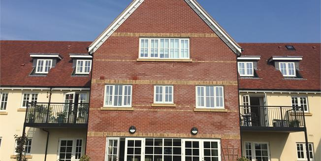 Guide Price £265,000, 1 Bedroom Flat For Sale in Ringwood, BH24