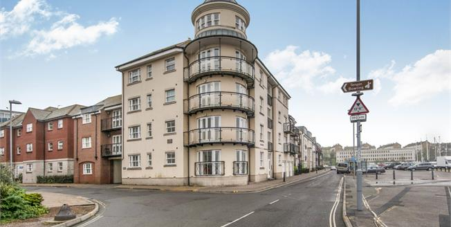 Offers Over £230,000, 3 Bedroom Flat For Sale in Weymouth, DT4