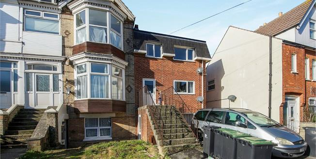 Asking Price £130,000, 2 Bedroom Flat For Sale in Weymouth, DT4