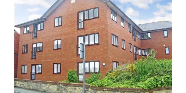Offers Over £85,000, 1 Bedroom Ground Floor Flat For Sale in Newport, PO30