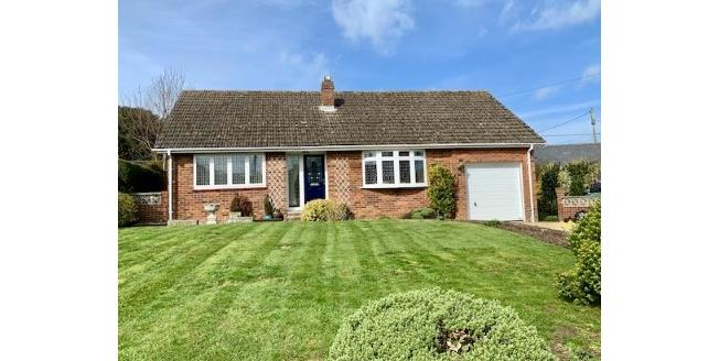 Offers in excess of £300,000, 2 Bedroom Detached Bungalow For Sale in Newport, PO30