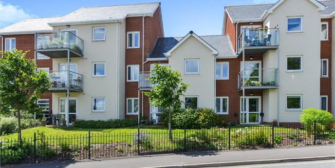 Asking Price £180,000, 1 Bedroom Flat For Sale in Newport, PO30
