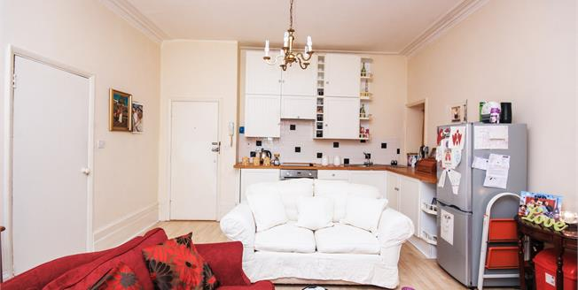Offers in the region of £65,000, 1 Bedroom Flat For Sale in Ryde, PO33