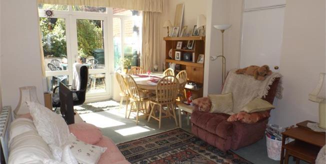 Offers Over £160,000, 1 Bedroom Ground Floor Flat For Sale in Seaview, PO34