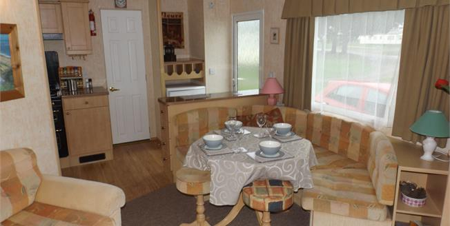 Offers Over £8,000, 2 Bedroom Mobile Home For Sale in Bembridge, PO35