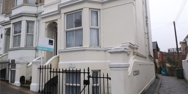 Offers Over £75,000, 1 Bedroom Upper Floor Flat For Sale in Ryde, PO33
