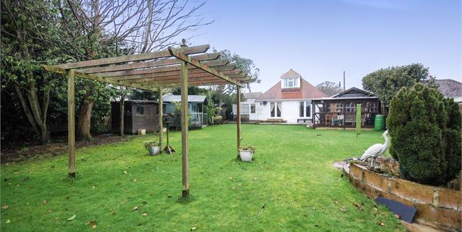 Guide Price £450,000, 4 Bedroom Detached Bungalow For Sale in Bembridge, PO35