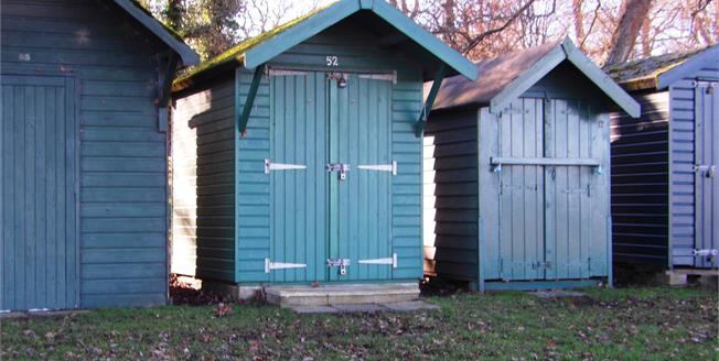 Asking Price £16,000, Mobile Home For Sale in Isle Of Wight, PO33