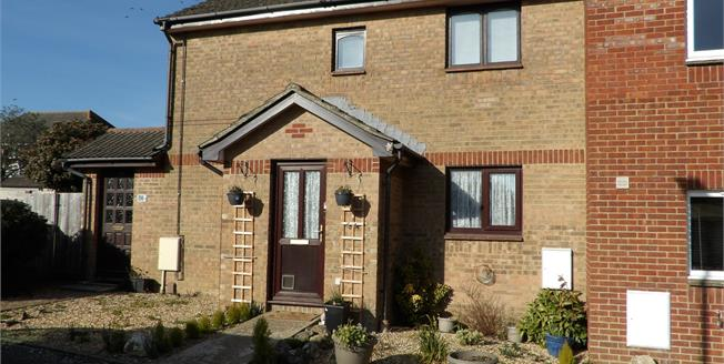 Offers Over £110,000, 1 Bedroom Flat For Sale in Wootton Bridge, PO33