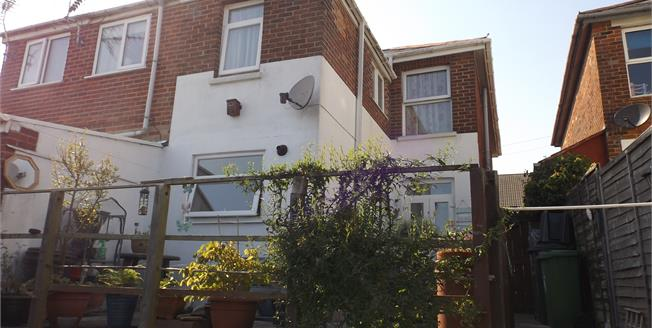 Asking Price £169,950, 3 Bedroom Semi Detached House For Sale in Ryde, PO33